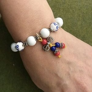 Asian blue floral beaded stretch bracelet